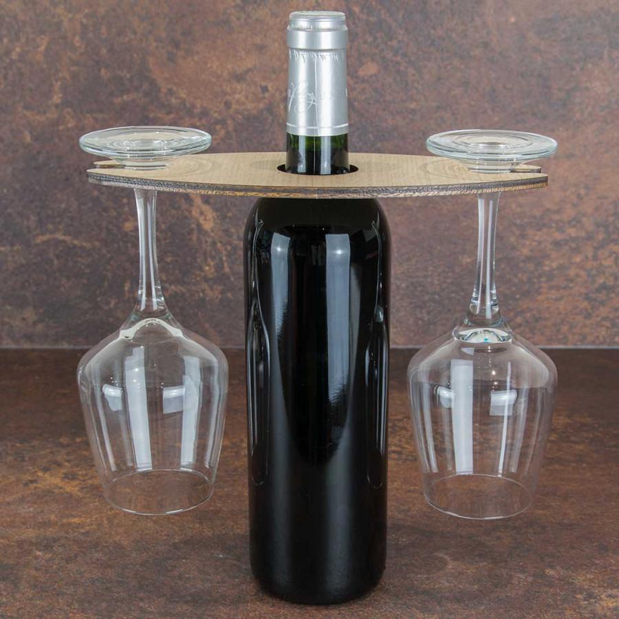 Support A Bouteille De Vin Mural support en bois 2 verres à vin et bouteille personnalisable